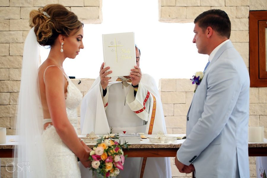 How to plan a blessed Christian wedding? Here's some help!